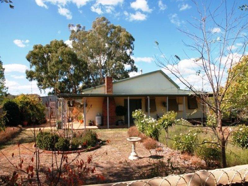 137 Cattle Street, Binalong, NSW 2584