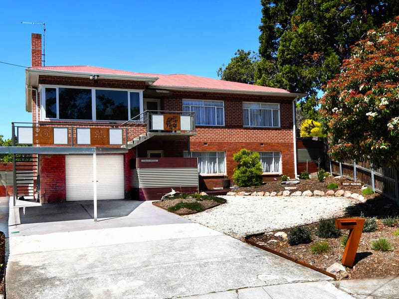 7 Wendover Place, New Town, Tas 7008
