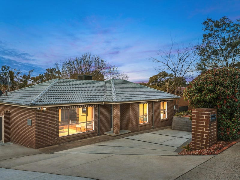 74 Learmonth Drive, Kambah, ACT 2902
