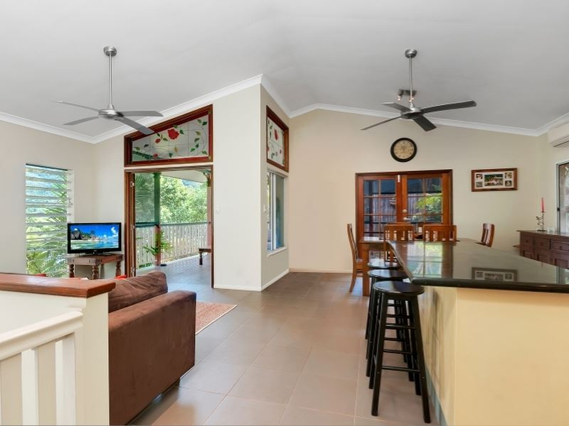 1 Powell Place, Bentley Park, Qld 4869