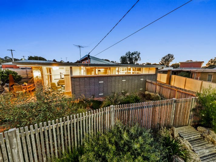 8 Sussex Court, Grovedale, Vic 3216