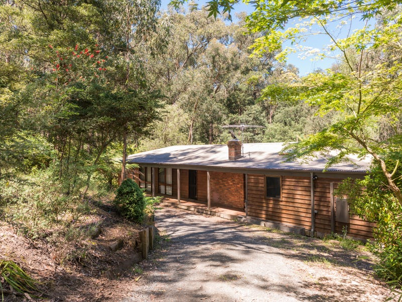 51 Mountain Road, Cockatoo, Vic 3781