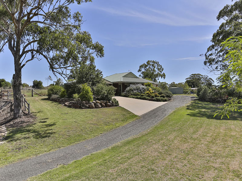 3 Cawdor Drive, Highfields, Qld 4352