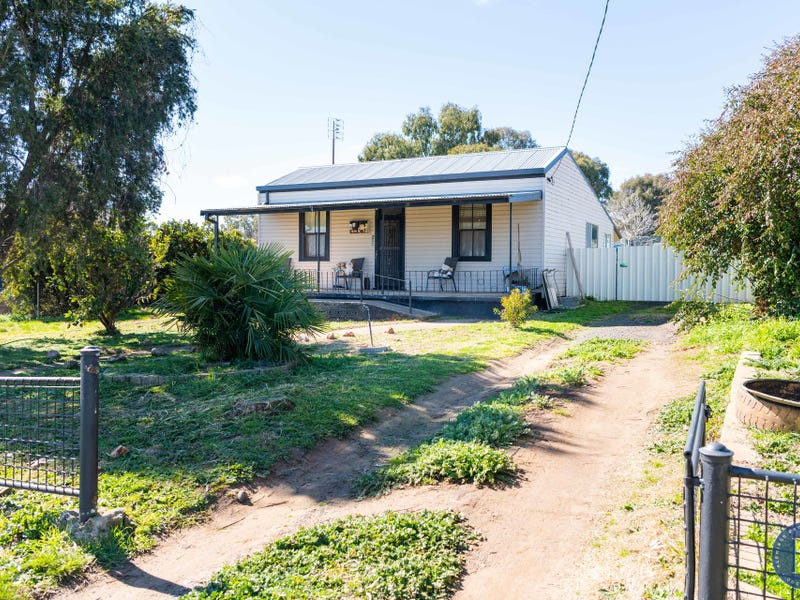 18 Ward Street, Harden, NSW 2587