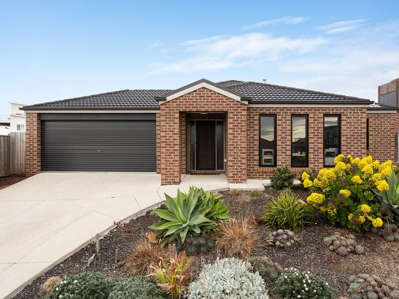 15 Boobook Grove, Cowes, Vic 3922
