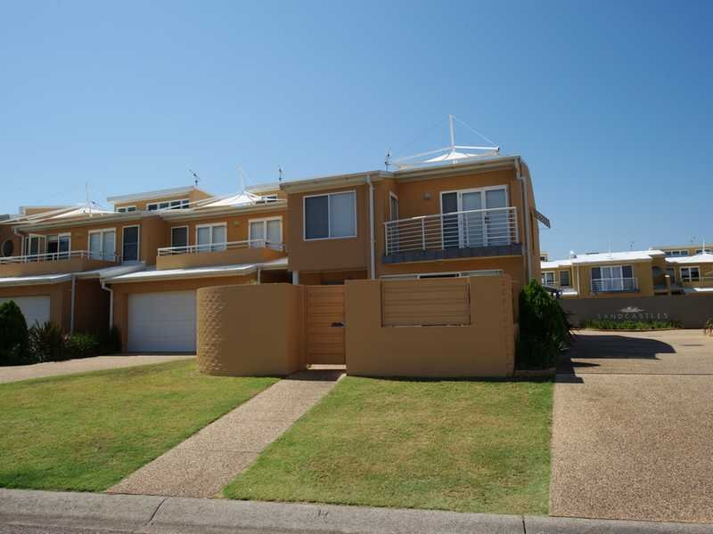 Apartment 5,2-8 Ala Moana Way, Fingal Bay, NSW 2315
