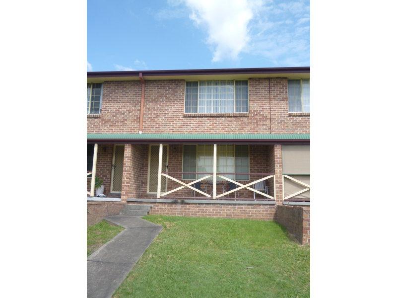 3/2 SIMPSON TERRACE, Singleton, NSW 2330