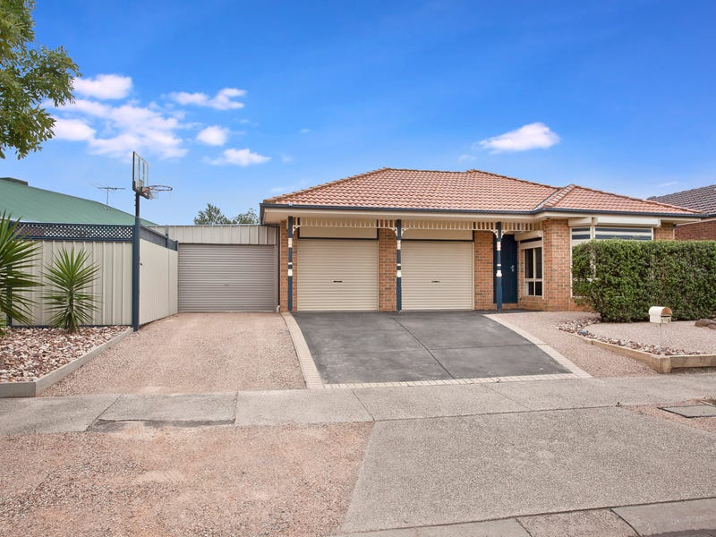 13 Lauricella Place, Caroline Springs, Vic 3023