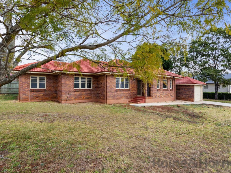 85 Phillip Street, South Toowoomba, Qld 4350