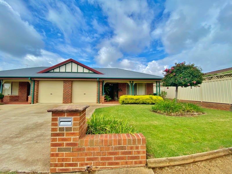1/2 Old Barracks Lane, Young, NSW 2594