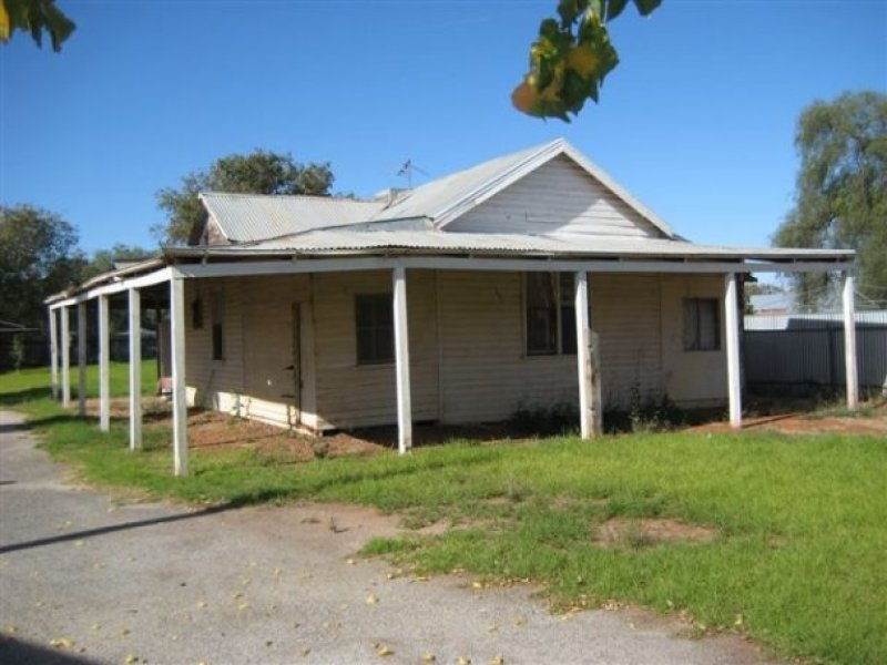 9 Stipa Street, Goolgowi, NSW 2652