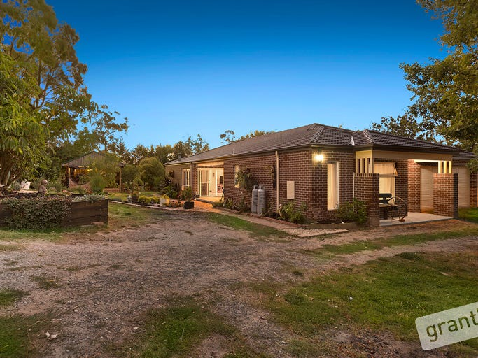 35 Hatchs Road, Nyora, Vic 3987