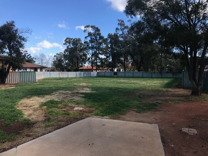 9 Doherty Place, Griffith, NSW 2680