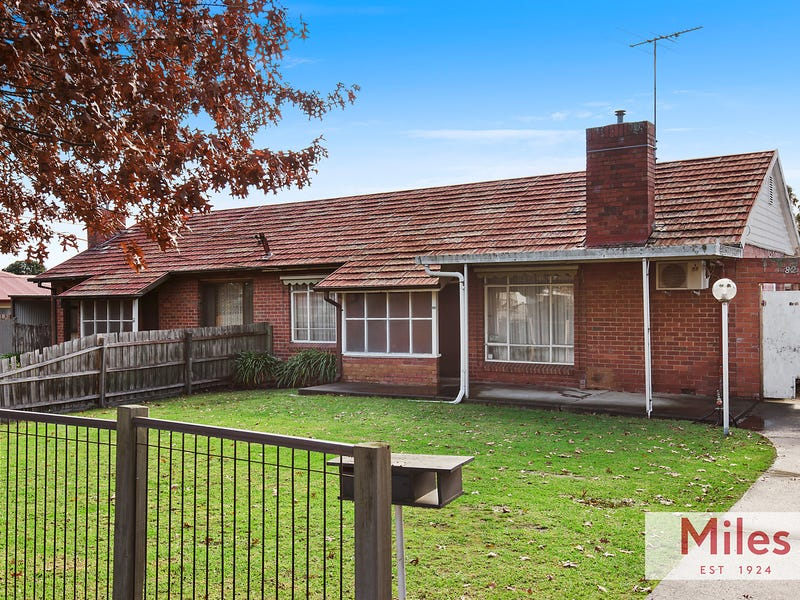 82 Lloyd Street, Heidelberg Heights, Vic 3081
