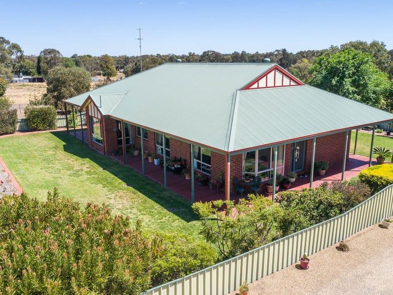 111 Pine Hill Road, Narrandera