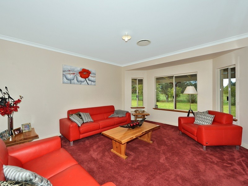 61 Avoca Retreat, North Dandalup, WA 6207