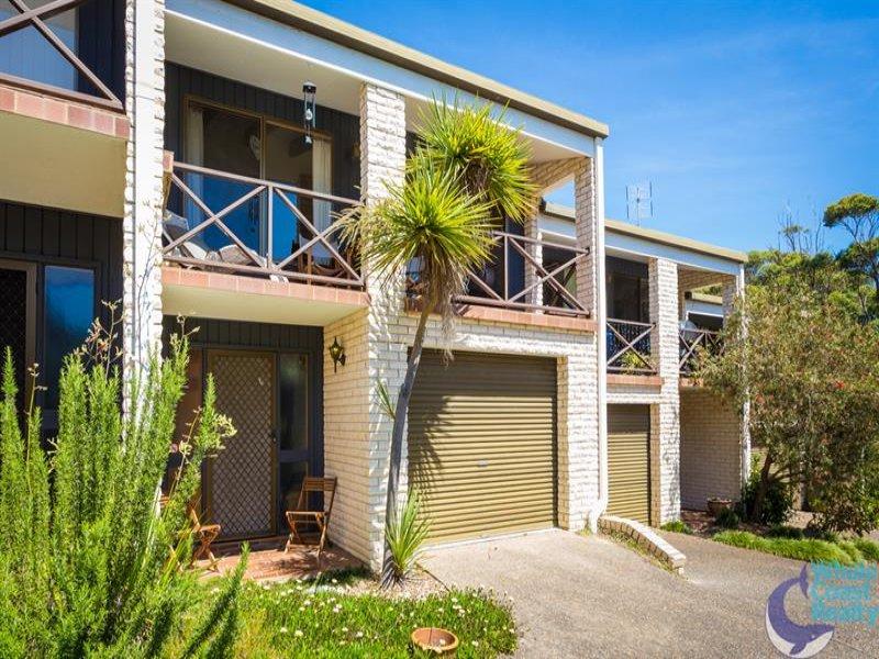 9/3 Angle Pl, Narooma, NSW 2546