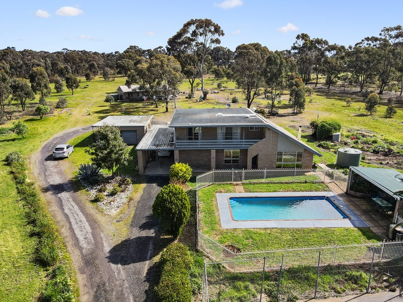 107 Golf Links Road, Maiden Gully, Vic 3551