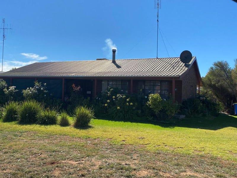 1 Forrest Court, Finley, NSW 2713