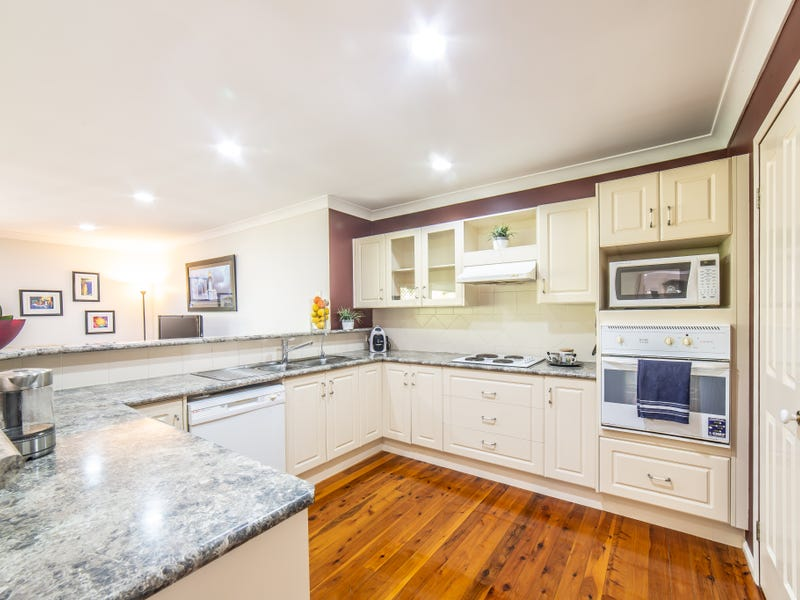 87 Henry Cotton Drive, Parkwood