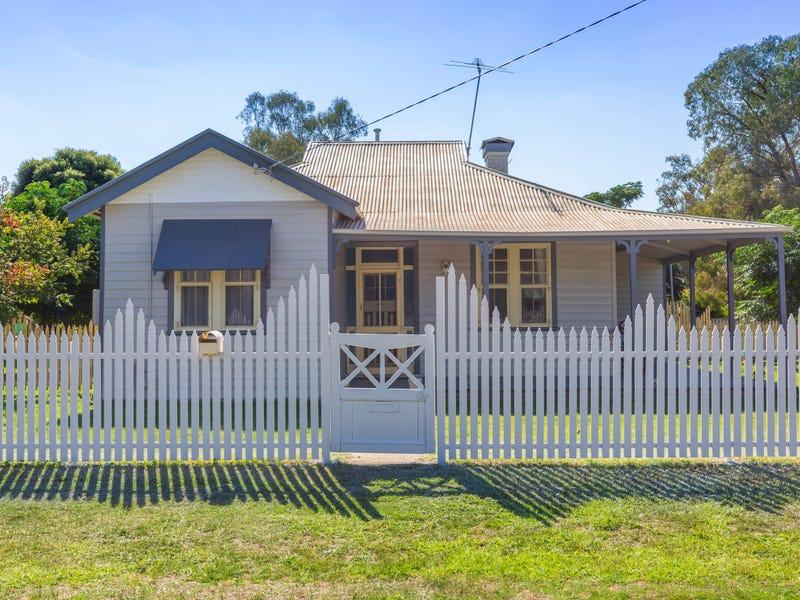 15 Sladen St, East, Henty, NSW 2658