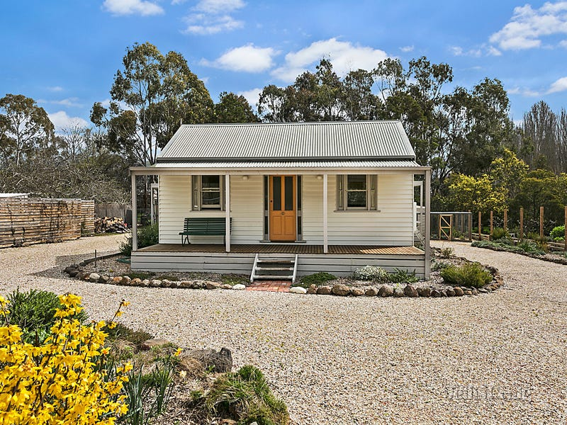 Hopewell Cottage 19 Ross Street, Malmsbury, Vic 3446