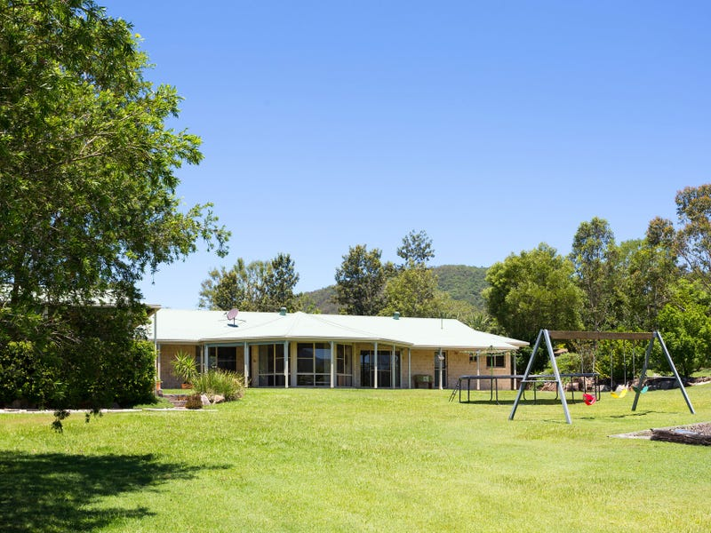 7 Les Douglas Ct, Camp Mountain, Qld 4520
