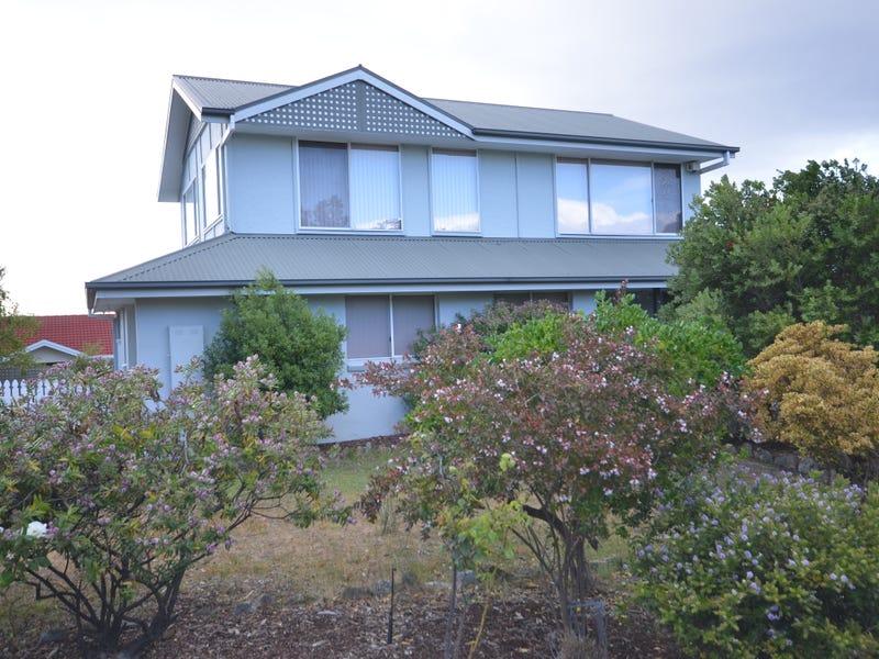 2 Honeysuckle Drive, Blackmans Bay, Tas 7052