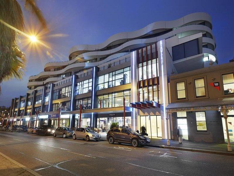 705/108 Bay Street, Port Melbourne, Vic 3207