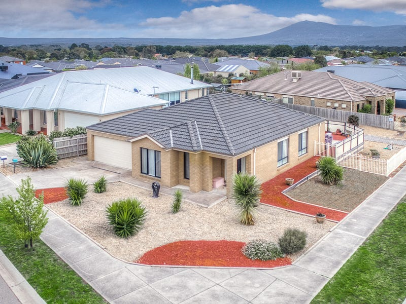 1 Mt.Vista Close, New Gisborne, Vic 3438