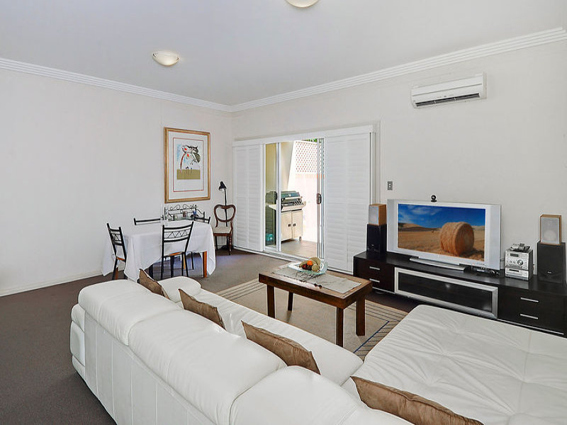 2/14 -18 College Crescent, Hornsby, NSW 2077