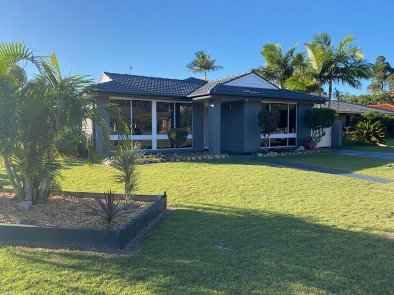 1 Royal Close, Forster, NSW 2428