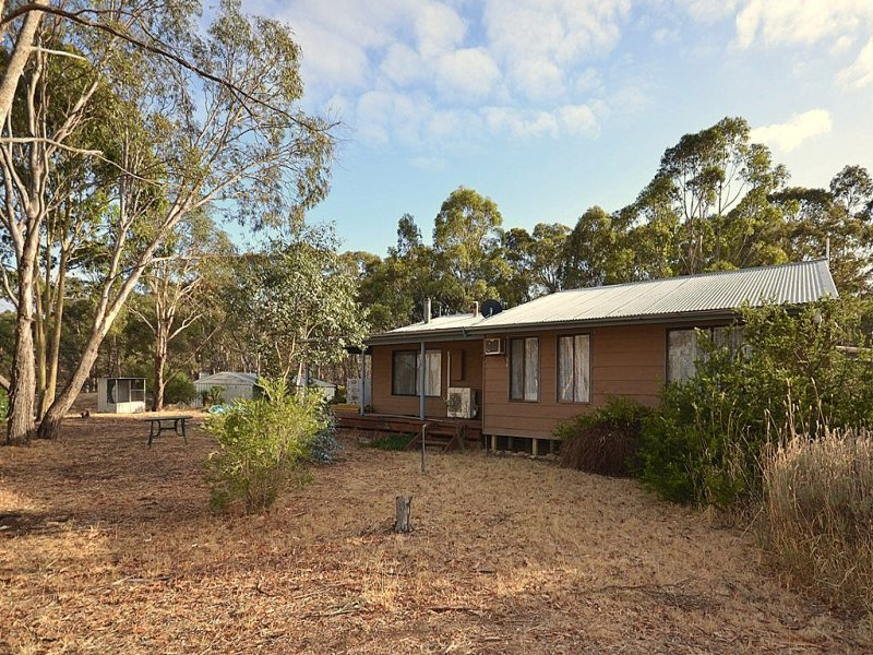 60 The Valley Road, Dunach, Vic 3371