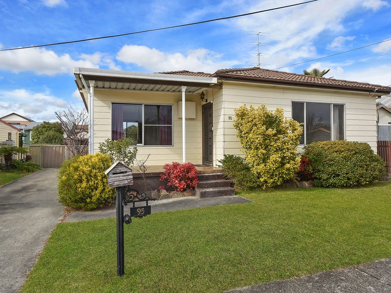 95 Rifle Pde, Lithgow, NSW 2790