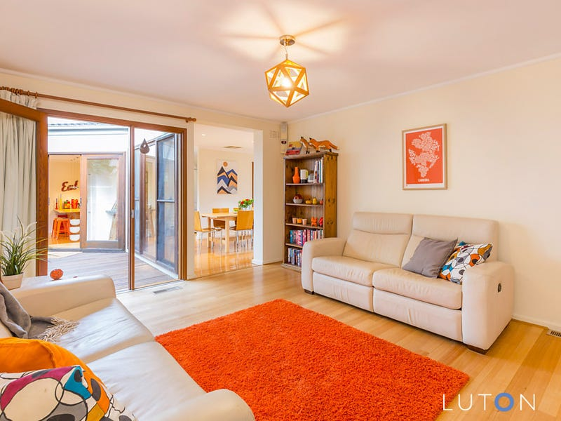 10 McLean  Place, Curtin, ACT 2605