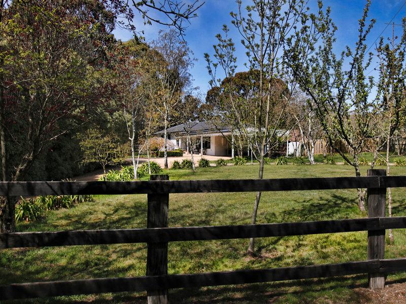 9 Halpern Road, Bullengarook, Vic 3437