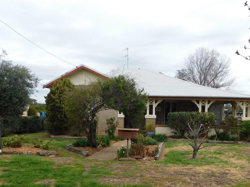 26 Knight St, Coonabarabran, NSW 2357