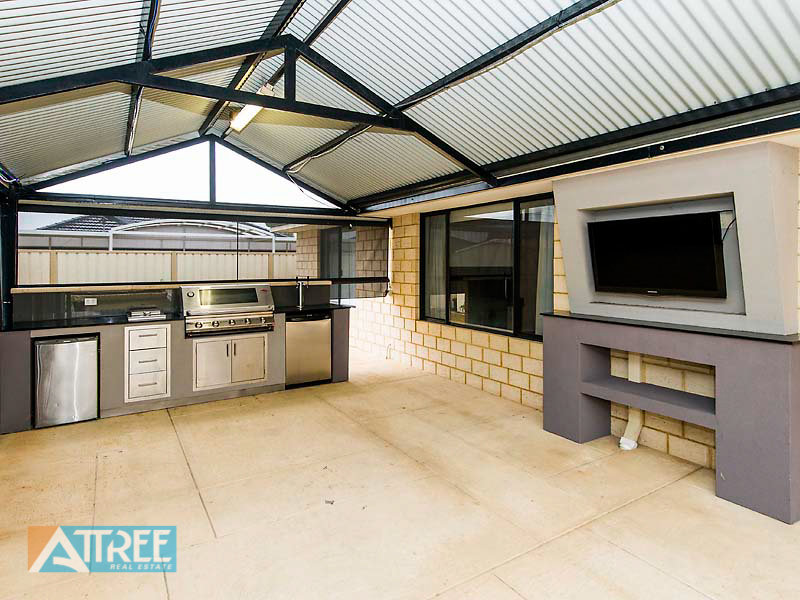 16 excelsior drive canning vale wa 6155 property details for E kitchens canning vale wa