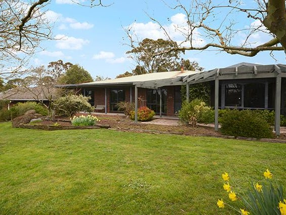 23 Cummins Road, Mount Rowan, Vic 3352