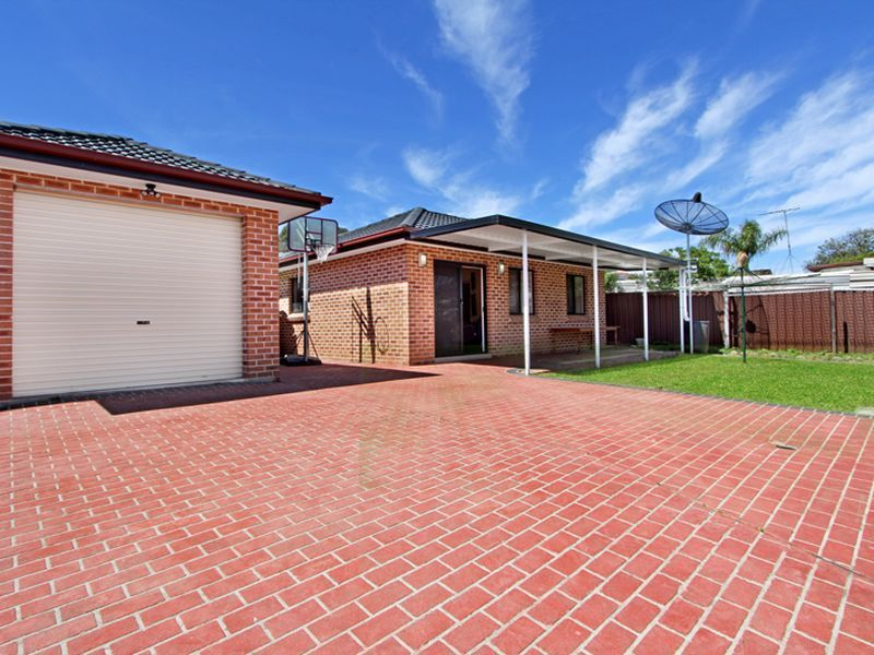 12A Mcilvenie Street, Canley Heights, NSW 2166
