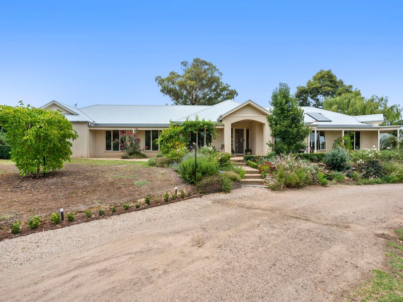 74 Meander Road, Hurstbridge, Vic 3099