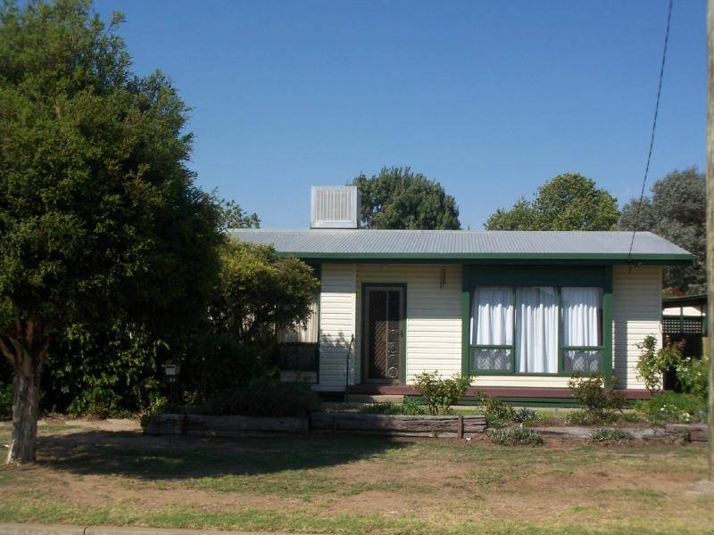 24 Bullecourt Street, Cootamundra, NSW 2590