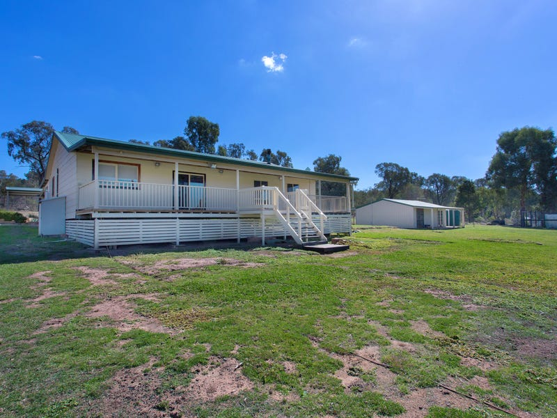 240 Conimbla Road, Cowra, NSW 2794