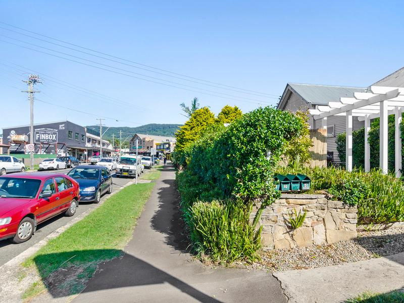 2/246 Lawrence Hargrave Drive, Thirroul, NSW 2515
