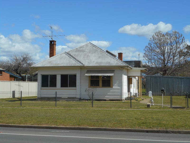 97 Fitzroy Street, Tumut, NSW 2720