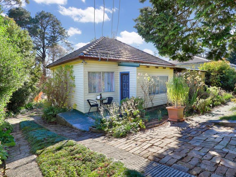 319 Bathurst Road, Katoomba, NSW 2780