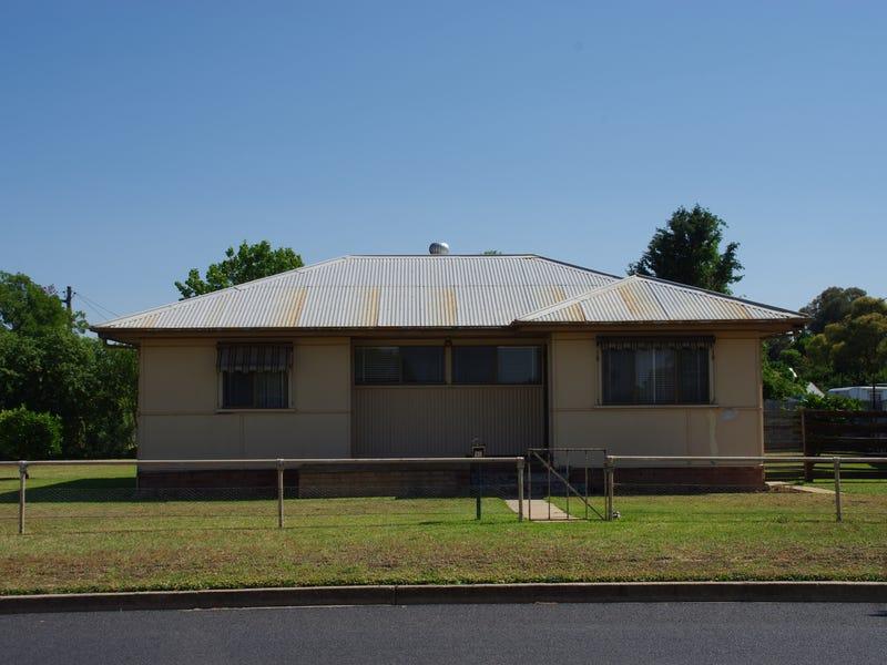 30 Logan Street, Cowra, NSW 2794