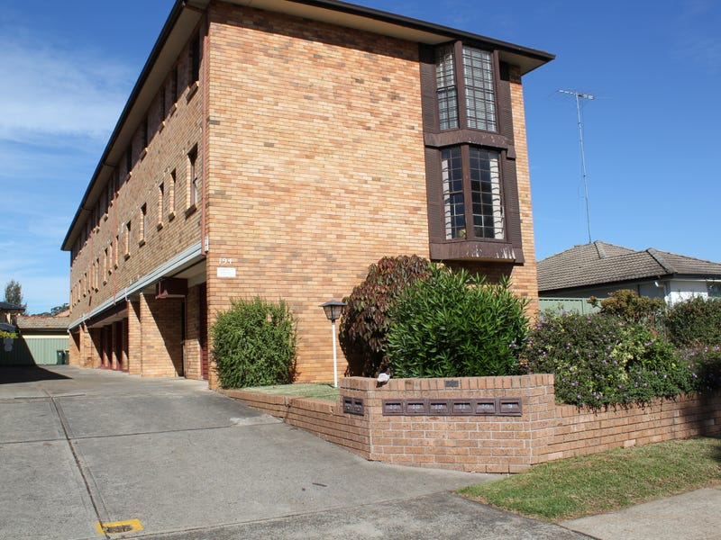 194 Lindesay St, Campbelltown, NSW 2560