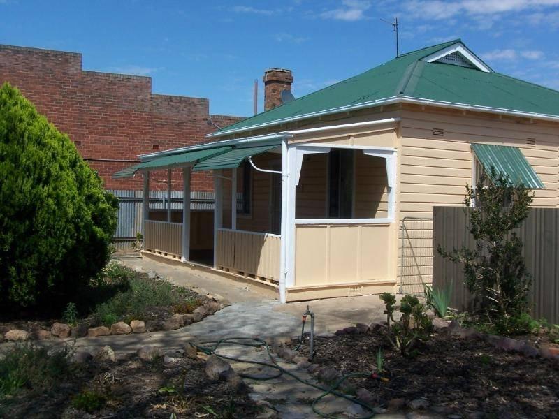151 Sutton Street, Cootamundra, NSW 2590