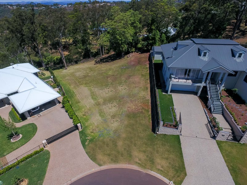 16 St Ives Court, Mount Lofty, Qld 4350